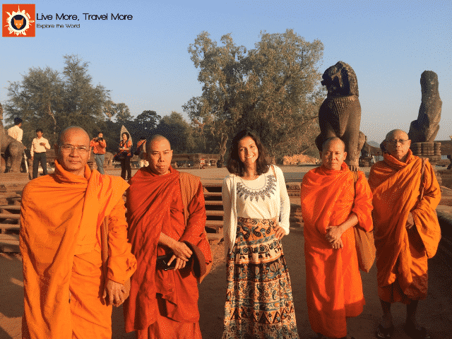 Habilidades de um viajante: Thai Monks - Angkor Wat - Cambodia