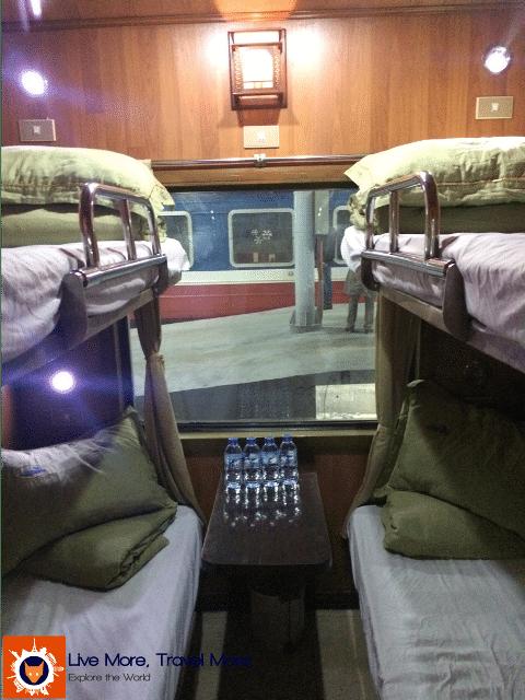 Skills a traveler develops: Night train from Hanoi to Sapa - Vietnam