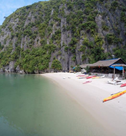 Halong Bay e Castaway Island com Hanoi Backpackers Hostel