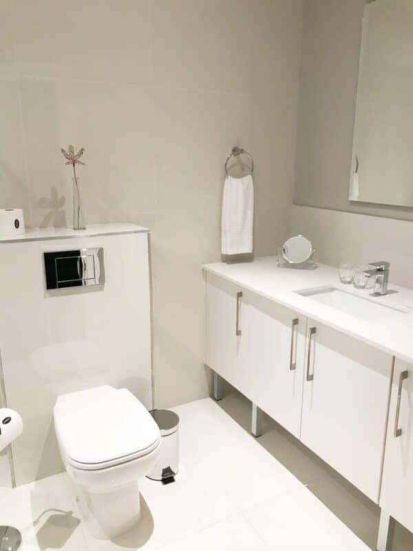 Cloud 9 Boutique Hotel - Bathroom