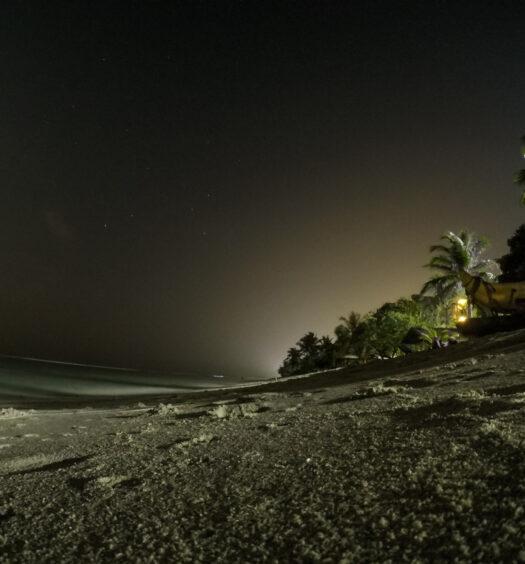 Foto noturna com GoPro em praia nas Maldivas