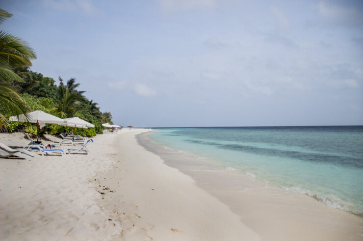 Praia de Ukulhas nas Maldivas