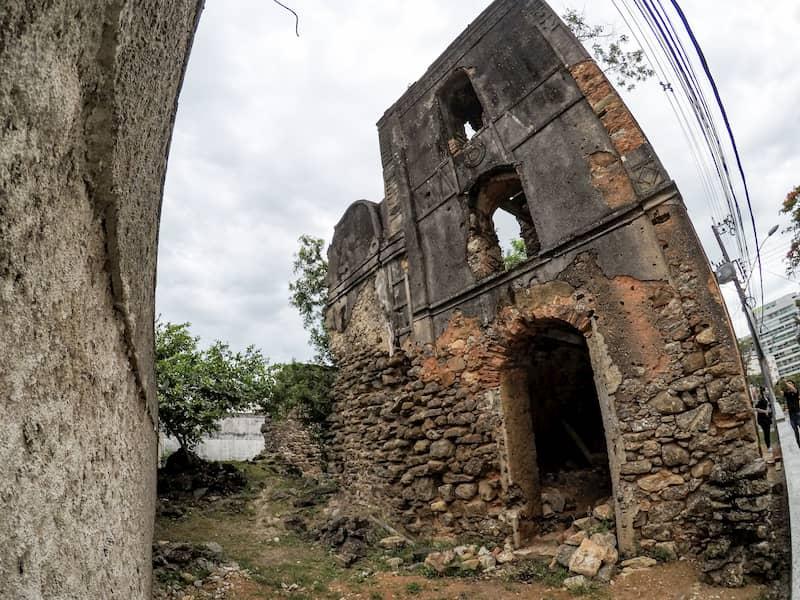 Nossa Senhora da Conceição church ruins in Guarapari, Espírito Santo