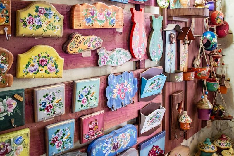 galerias de artesanato na Rua do Lazer