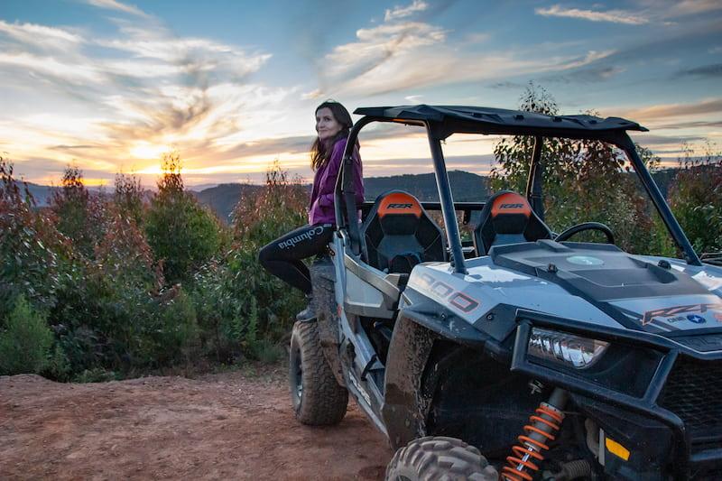 Fazenda Radical: Elaine rides an UTV and enjoys the sunset in Monte Verde, Brazil