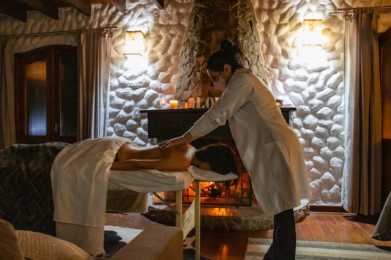 Woman getting a Rrlaxing massage