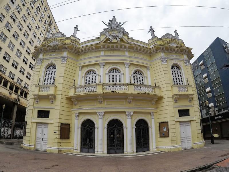 Teatro Carlos Gomes em Vitoria ES - Elaine Villatoro